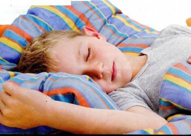 Bruxismo, quando il bambino digrigna i denti nel sonno