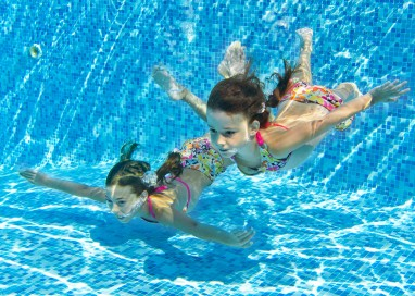"""""""Educare alla vita attraverso il nuoto"""""""