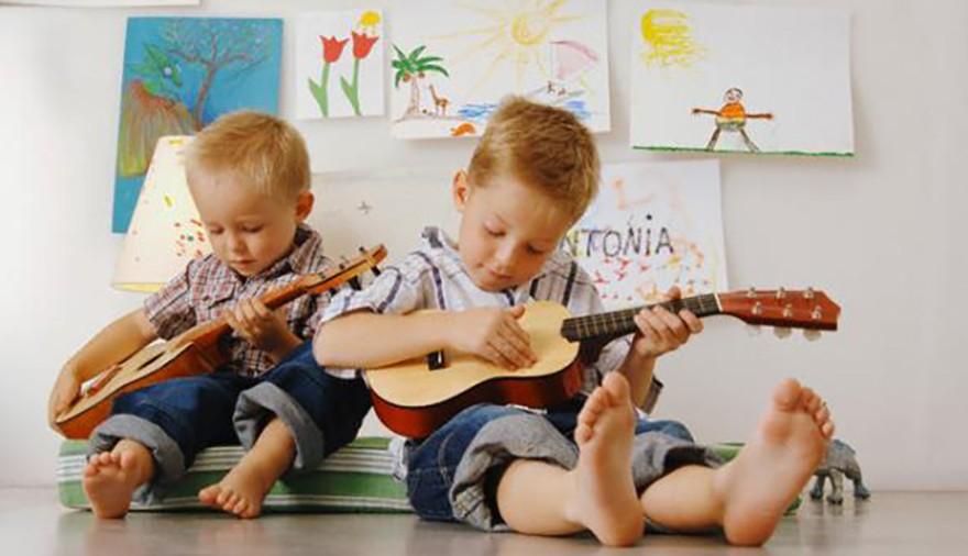 Suonare la chitarra in gruppo: palestra di civiltà