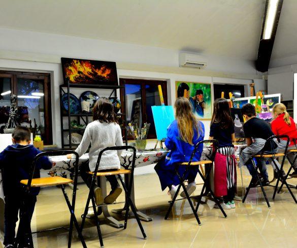 Corsi di pittura per bambini, la creatività è da Eos