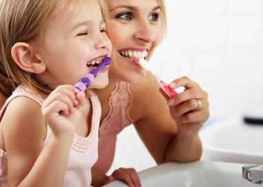 Alimenti che fanno bene  ai denti e combattono la carie