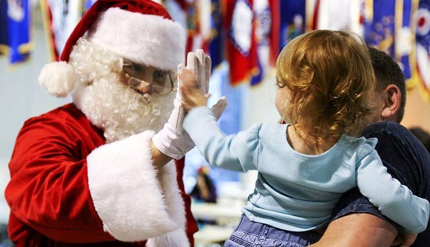 Babbo Natale con bimba