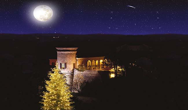 La magia del Natale dopo il tramonto nel castello incantato!