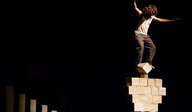 Al Teatro delle Briciole l'artista circense madrileno Nacho Flores