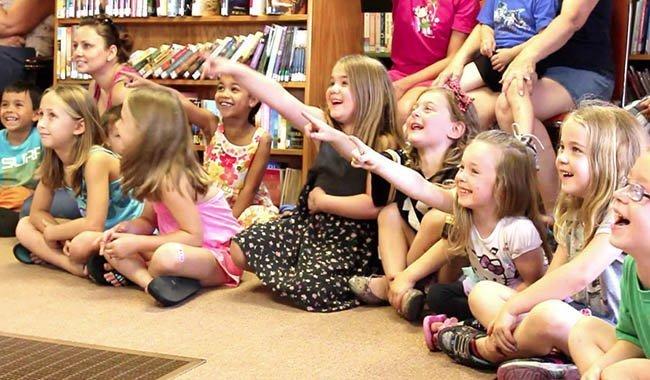 Biblioteca Alice: Fare Poesia Per Trasformare Il Mondo
